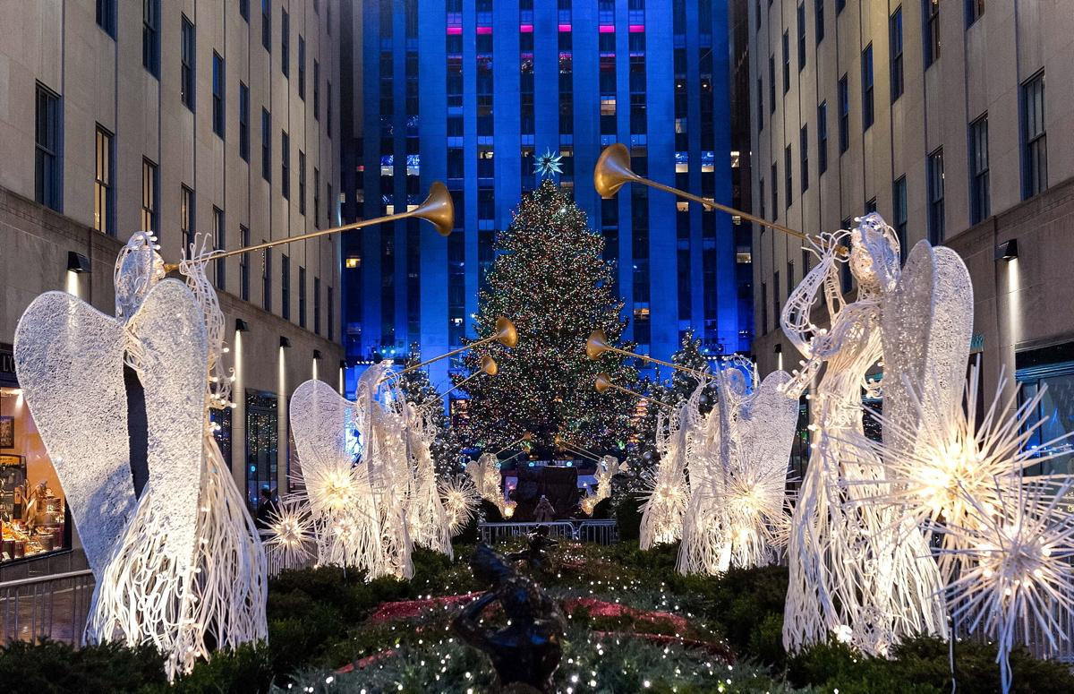 83rd Rockefeller Center Christmas Tree 2015 |